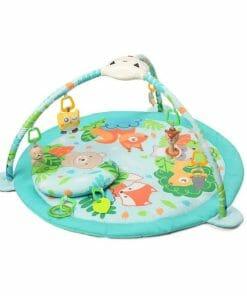 Podloga za igranje sadrži veliki broj igračaka. Uz pomoć igračaka bebe razvijaju osjetila, pozitivno utječu na koordinaciju očiju i ruku.